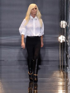 donatella-versace-versace-fall-2014-menswear-show-versace-pre-fall-2014-blouse-boots-900x1200